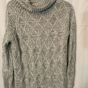 Isabel maternity small  sweater